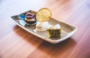 Restaurant 3303 Corvatsch Dessert-Trio mit Lavendel-Glacé und Polenta-Kreationen